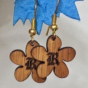 KOA wood initial R earrings New